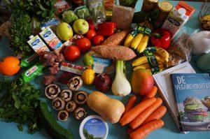 El consumo de frutas y verduras frescas ayuda a mantener los huesos sanos