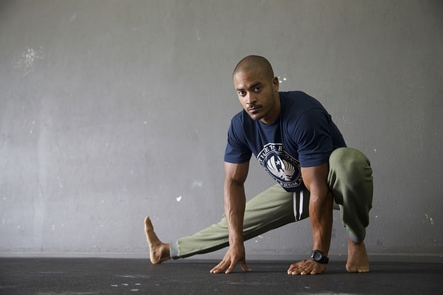 Beneficios de estirarse antes del entrenamiento físico